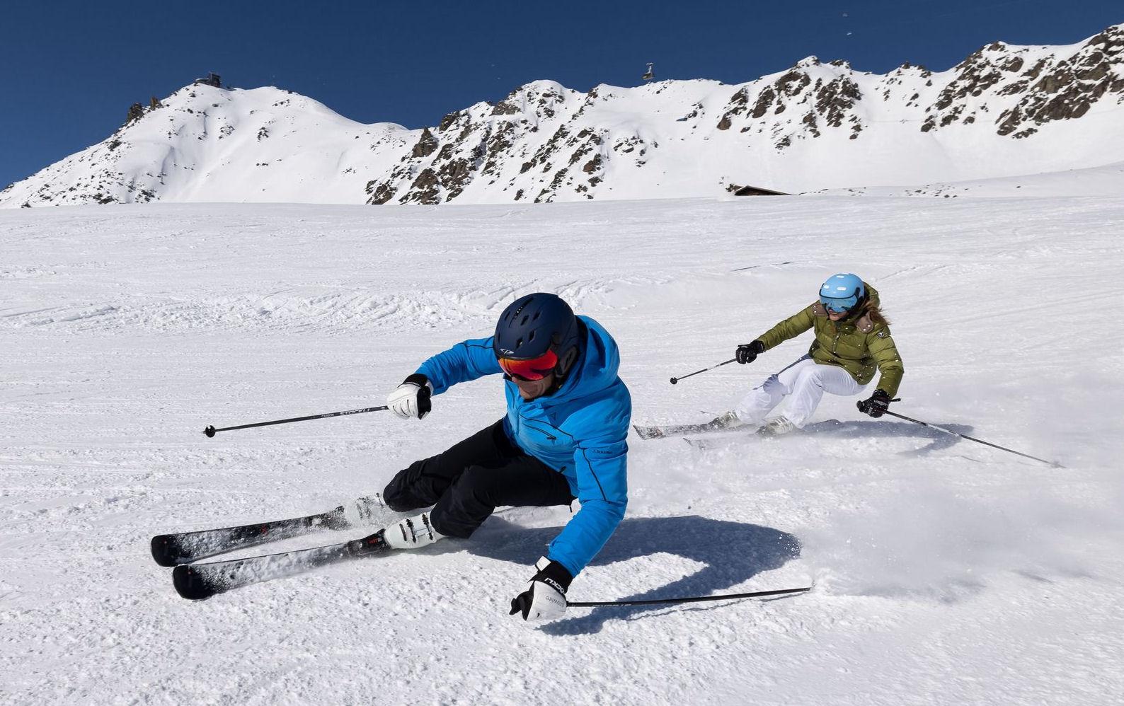 cp corao+ en carachillo skihelm actiefoto